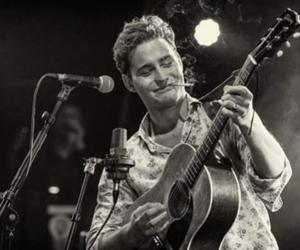 artist, guitar, and douwe bob image