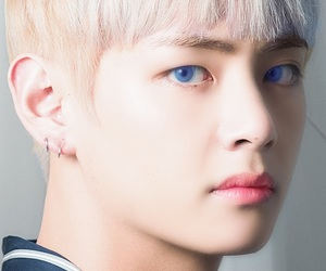 blonde, kpop, and serious image