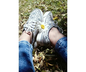 flower, zapatillas, and margarita image