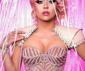 rupauls drag race and farrah moan image