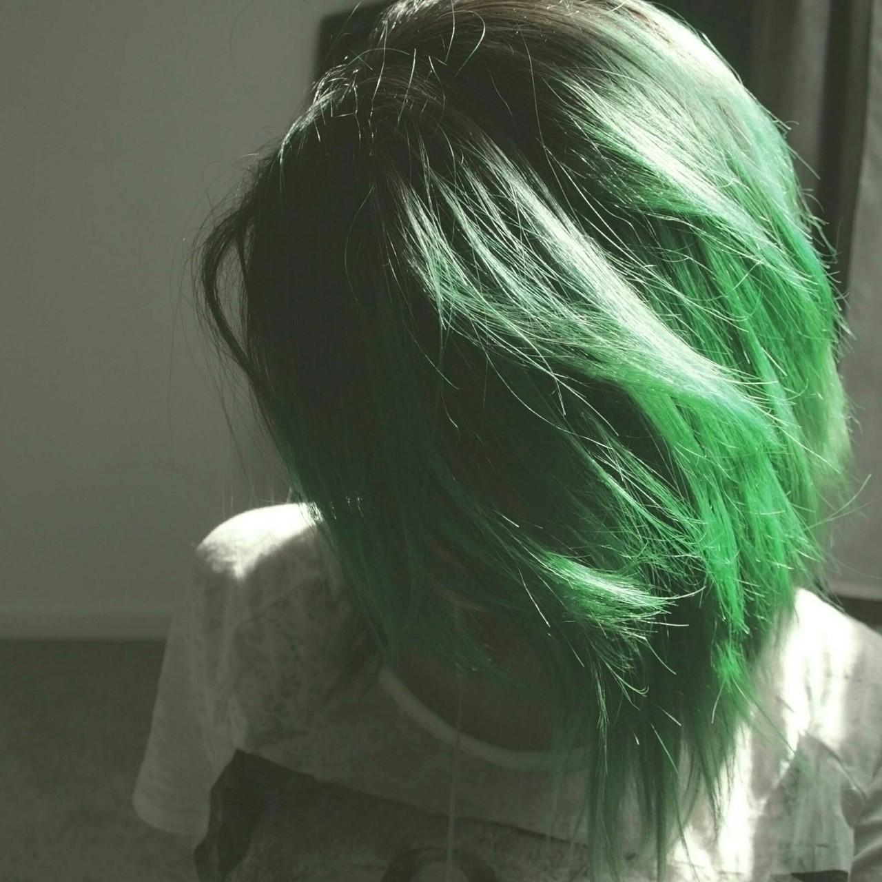 alternative, bob haircut, and girl image