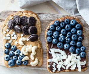 food, blueberry, and oreo image