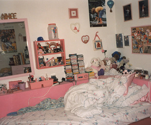 room and 90s image