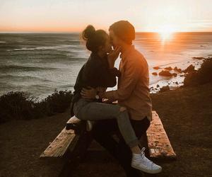 pareja, love, and atardecer image