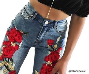 flores, jeans, and top image