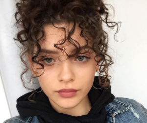 curly, sitemodel, and curly hair image
