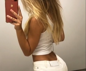 blonde and alexis ren image