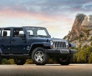 blue and jeep wrangler image