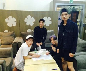 asian boy, key, and Onew image