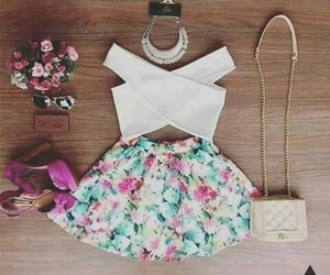 fashion, floral, and accesorize image