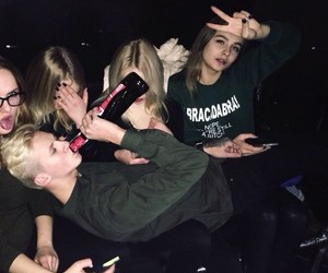 alcohol and girls image