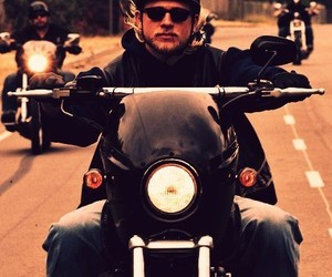 Charlie Hunnam, sons of anarchy, and soa image