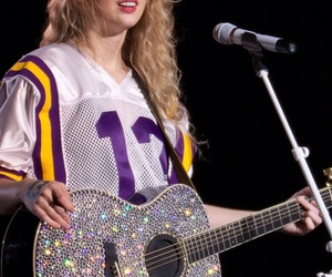 Taylor Swift, 13, and guitar image