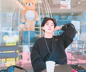 ulzzang, korean boy, and aesthetic image
