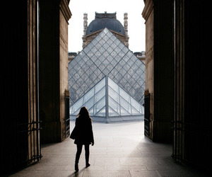 paris, louvre, and girl image
