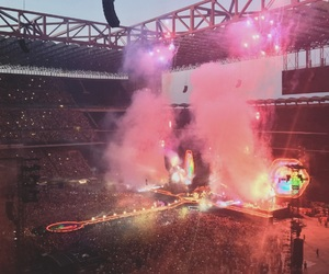 coldplay, crowd, and milan image