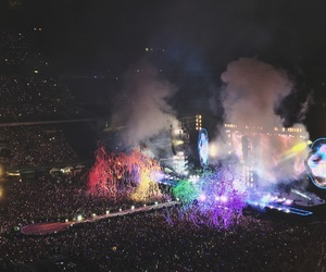 coldplay, crowd, and Finale image
