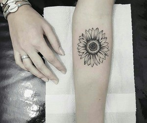 black and white, sunflower, and Tattoos image