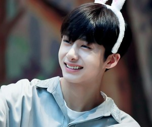 k-pop, hyungwon, and chae hyungwon image