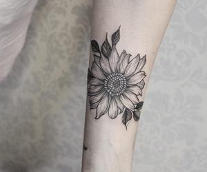 Chica, girasol, and tatuaje image