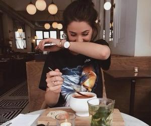 brunch and desayuno image