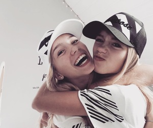 lisaandlena and lisa and lena image