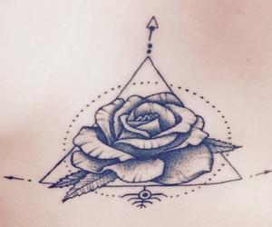 rose, tatouage, and triangle image