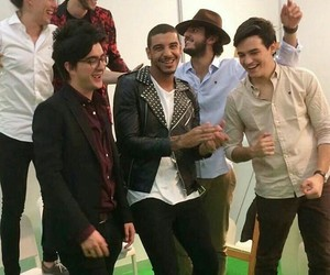 colombianos, morat, and sebastian yatra image