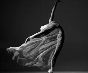 bailarina, danza, and ballet image