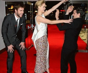 Jennifer Lawrence and liam hemsworth image