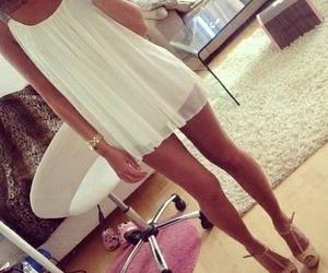 blanco, moda, and ropa image
