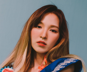 blonde hair, fashion, and wendy son image