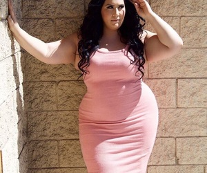 blog, confident, and curvy image
