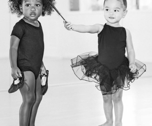 danse classique and black'baby&white'baby image