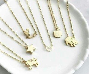girly, gold, and necklace image