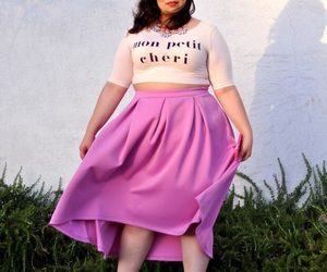 curvy and pink image