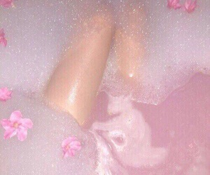 aesthetic, bath, and bubbles image
