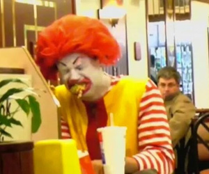 clown, sad, and mc donal´s image