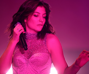 ️lorde and pink image
