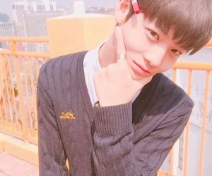 produce 101 and bae jinyoung image