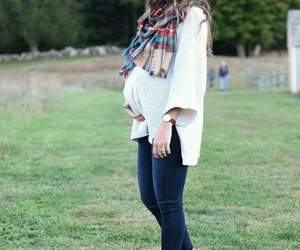 outfit, pregnant, and winter image