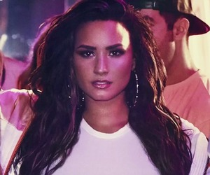 demi lovato, sorry not sorry, and 2017 image