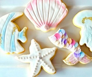 Cookies and sea image