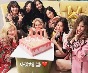 le, exid, and Queen image