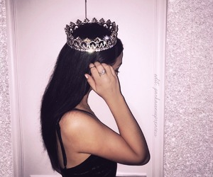 girl, Queen, and crown image