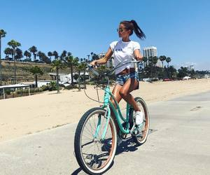 bicicleta, fashion, and goals image