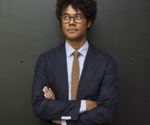 richard ayoade, this is blurry, and still love em image