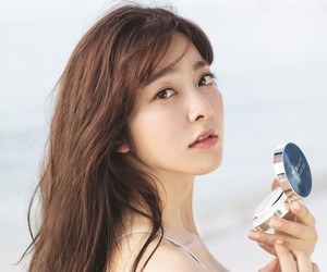korean actress and park se young image