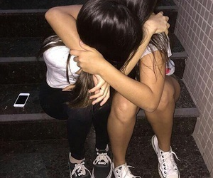 madison beer and maggie lindemann image