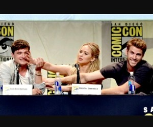 Jennifer Lawrence, comic+con, and hunger games image